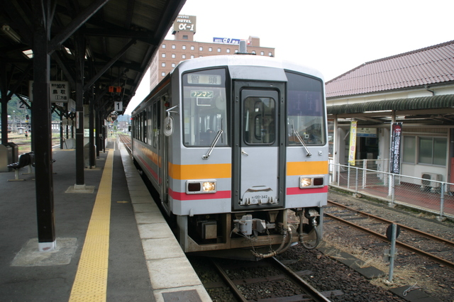 IMG_9514JR因美線の列車.JPG