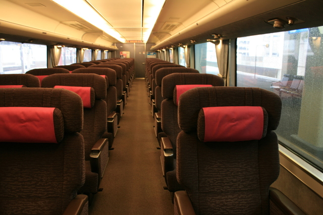 IMG_978JR特急しらさぎ号 グリーン車の座席2.JPG
